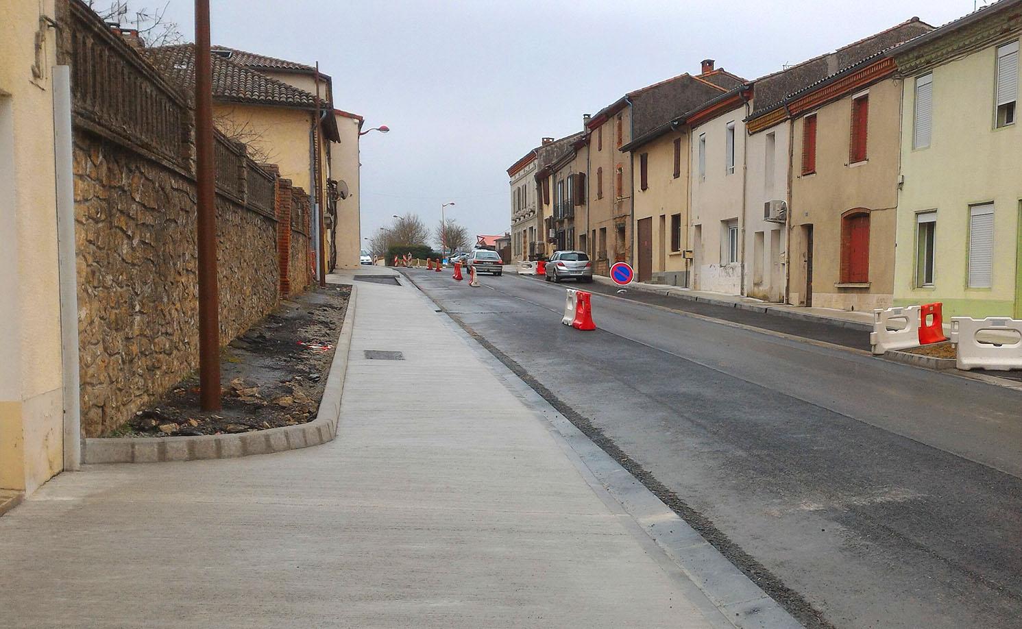 Les trottoirs en béton balayé
